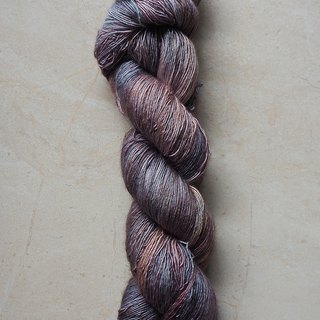 Hand dyed the line. Rainy sunset. (Super wash Merino / silk / single strand / lace)