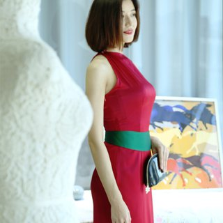 Red stretch satin heavy silk dress / dress skirt + green girdle rouge