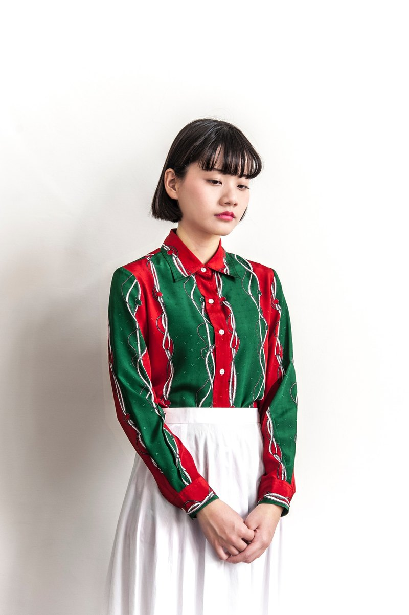Vintage belt red and green ancient long sleeve shirt