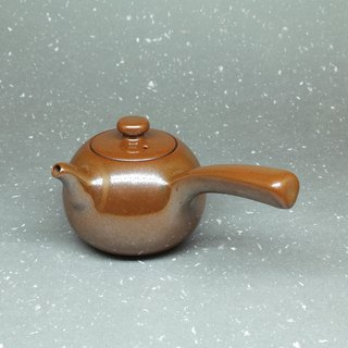 Collection of gold glaze curved mouth round side of the teapot hand pottery tea props