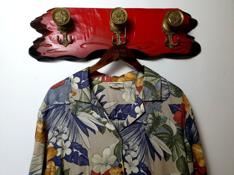 Little Turtle Gege - American-style colorful hibiscus flower aunt vintage shirt