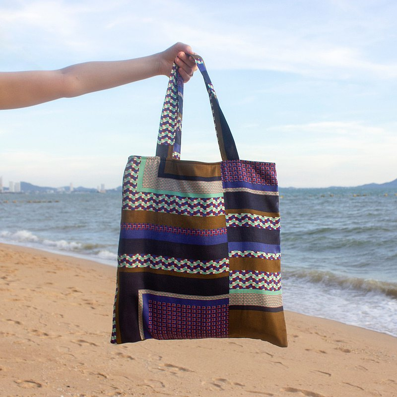 Tote Bag / Everyday bag / Satin fabric