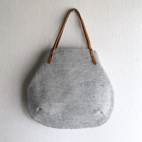 Round Tote Bag [Off x Navy]