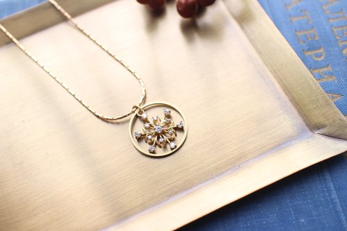 Winter snowflakes-Zircon brass necklace
