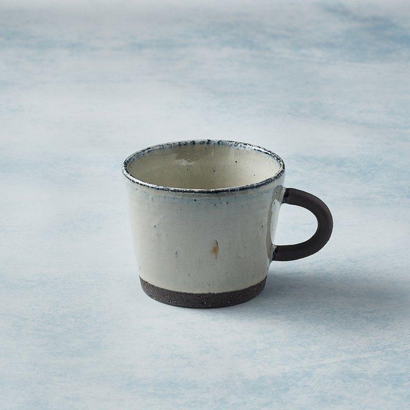 有種創意 - 日本美濃燒 - 寬口圓柄馬克杯 - 乳白