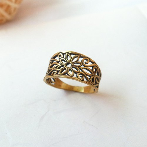 Retro hollow carved pure brass ring anti-allergic brass