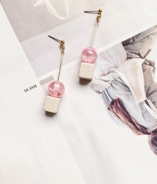 La Don - Earrings - Berry sugar acupuncture / ear clip on stone ladder