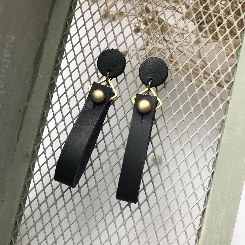 Leather earrings _ ear pin _ round ribbons No. 1 works _ black _Leather Earring