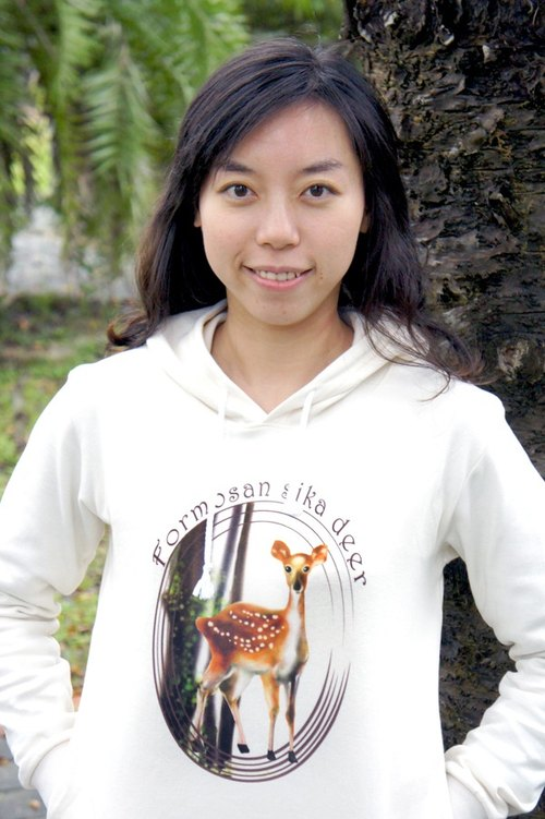 Taiwan sika deer long-sleeved hooded T (girls section)