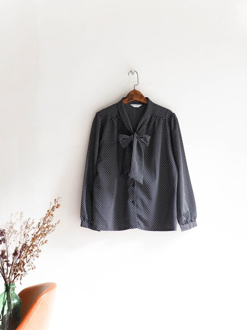 河水山 - Yamaguchi black and white point bow tie autumn wind girl antique silk shirt top