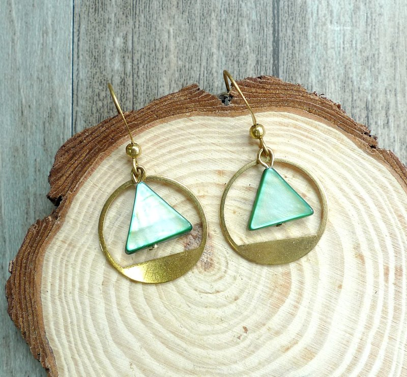 Misssheep - Simple Geometric Round Brass Seashell Earrings