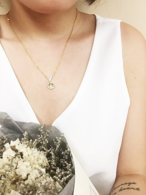 18k Triangle Baby Green Diamond with name tag initial necklace  【softboil_egg】
