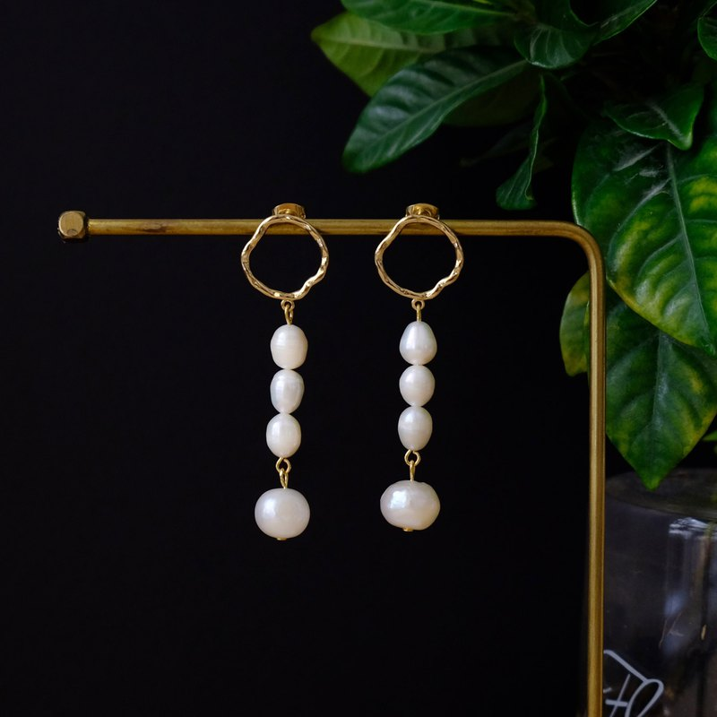 ALYSSA & JAMES Baroque Twisted Metal Natural Pearl Long Earrings 925 Silver Needle