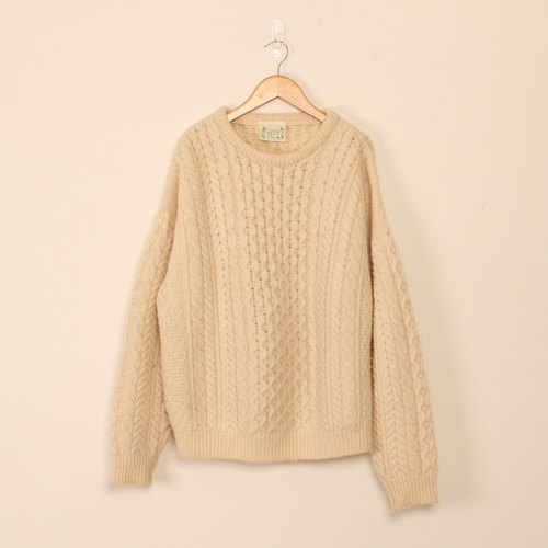 takumi-thick three-dimensional textured white silk sweater