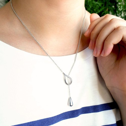 Classic droplets Y word necklace sterling silver