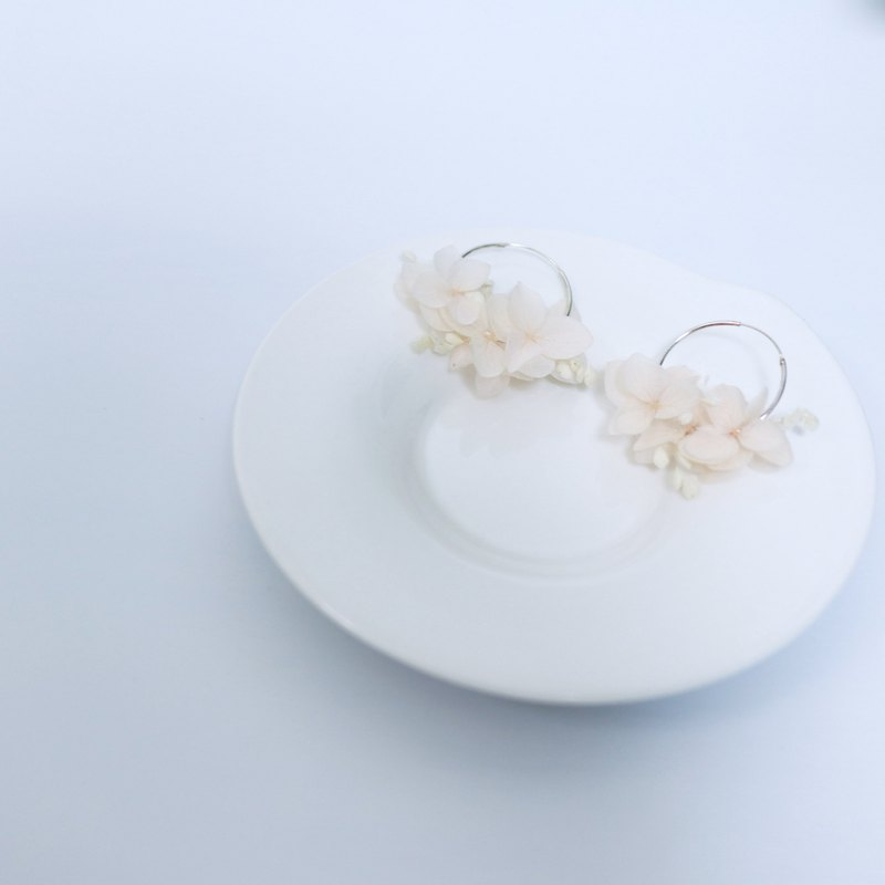 Hydrangea, light pink hydrangea wreath, dry flower earrings