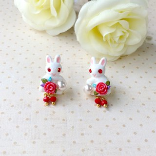 Charming White Rabbit Earrings, Pearl Rabbit earrings, Vintage style earrings