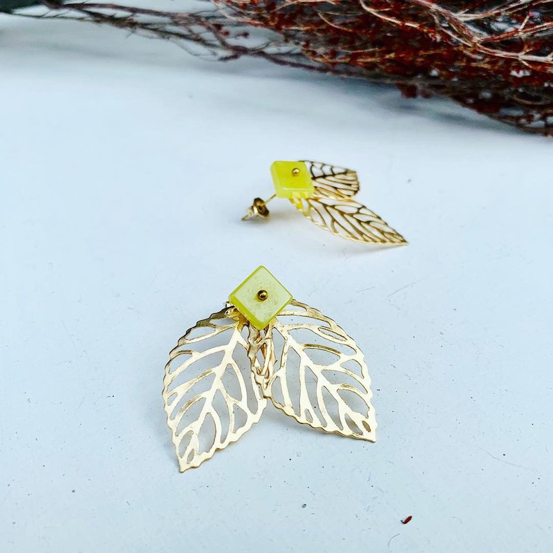 Exclusive-Leaf Butterfly Wings Lemonstone Sticker_Dangling Dual Earrings_Free Modification into Clip Earrings