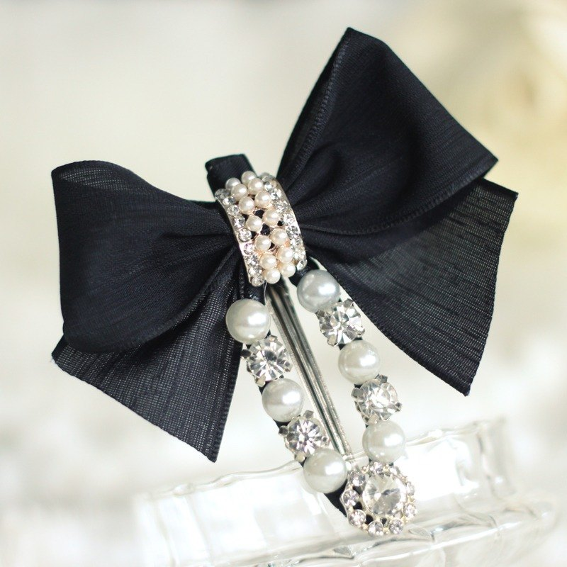 Stylish Ribbon with Pearls Hair Clip