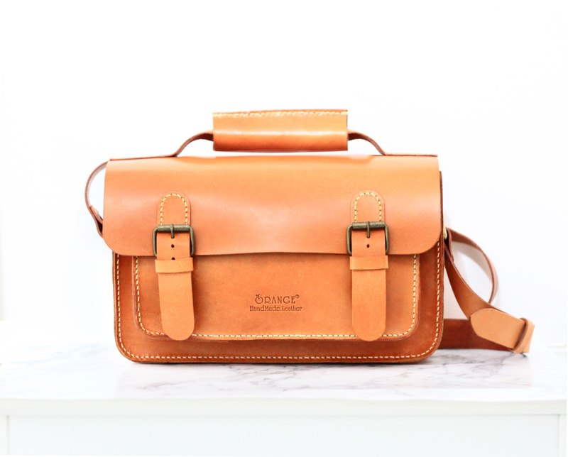 Small orange peel tanned leather kimono / Cambridge bag / side backpack