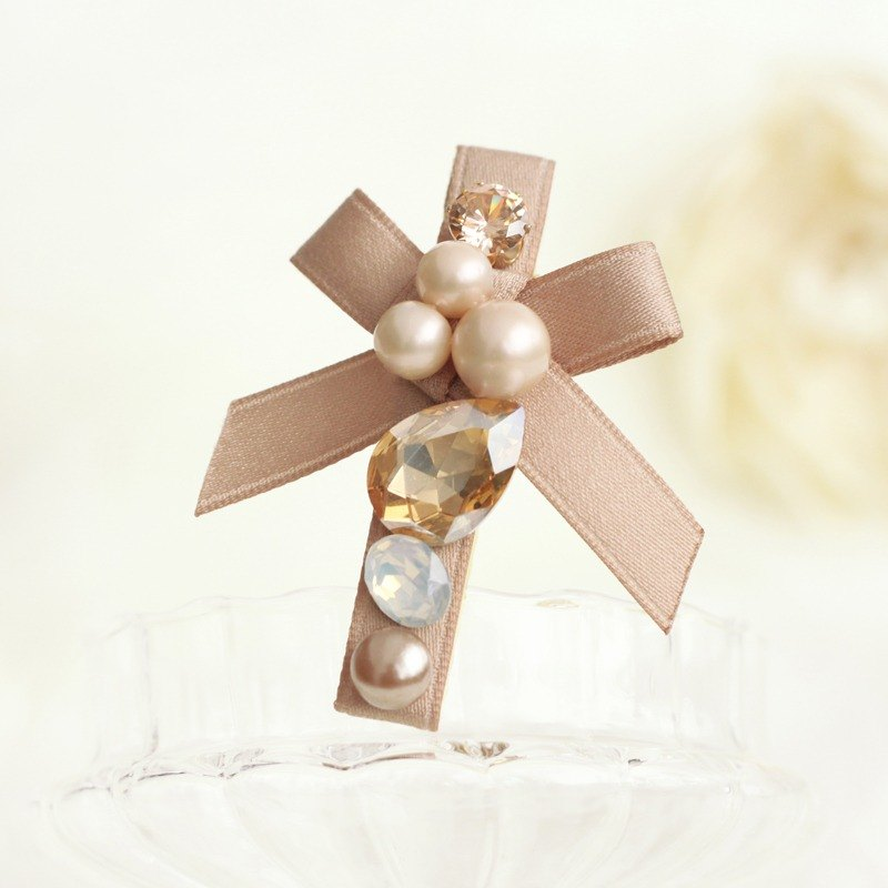 Graceful Ribbon with Pearl Hair Clip