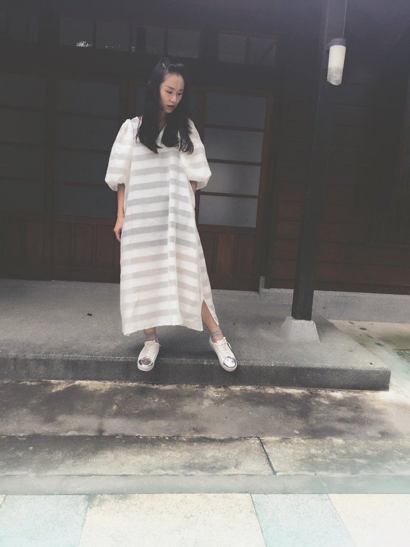 Full length H-shaped sleeve gauze dress