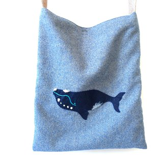 Right Whale Embroidery Whale Bag S
