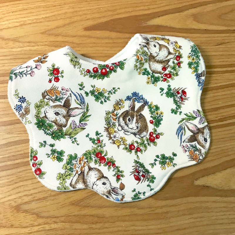 Rabbit and flower four layers of cotton yarn on the back towel cloth bibs
