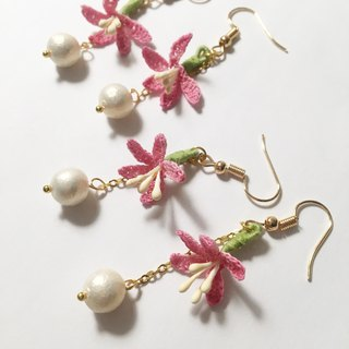 *My Fancy Handmade* crochet flower earring