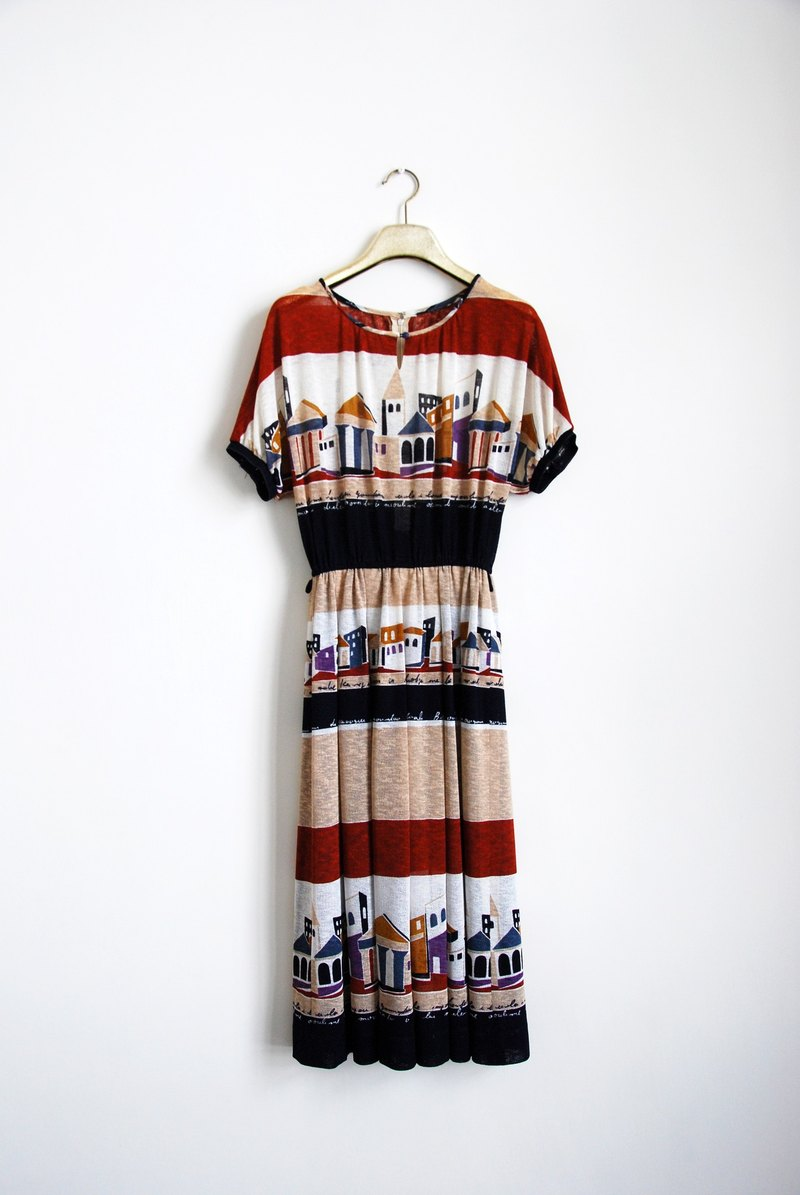 Vintage print dress small house