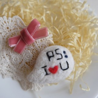 sleeping original handmade Valentine's Day [PS: I LOVE U] brooch / fridge magnet
