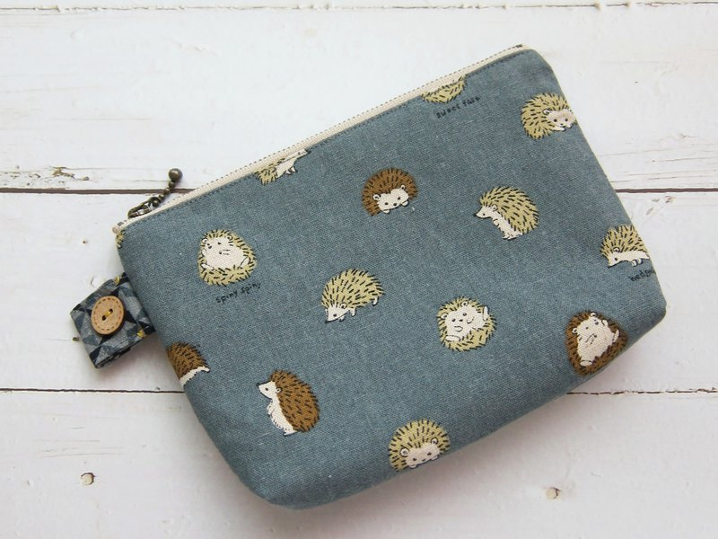 Small hedgehog zipper bag