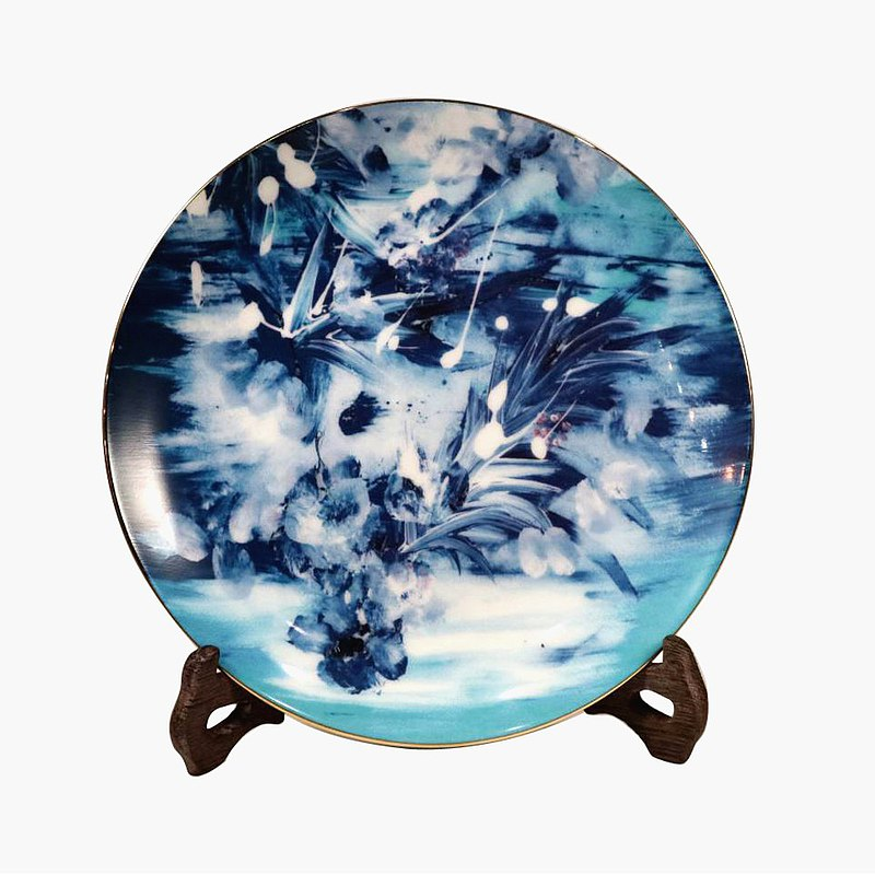 Bone China plate decorated with blue sea flying blue-blue and white