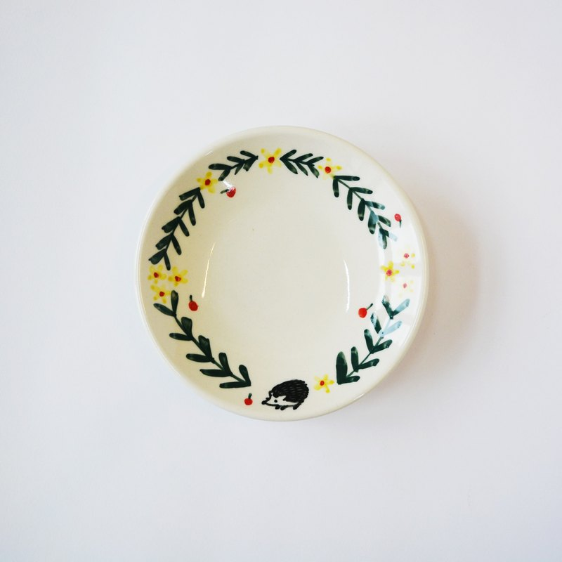 Hand-painted small porcelain plate - wreath hedgehog