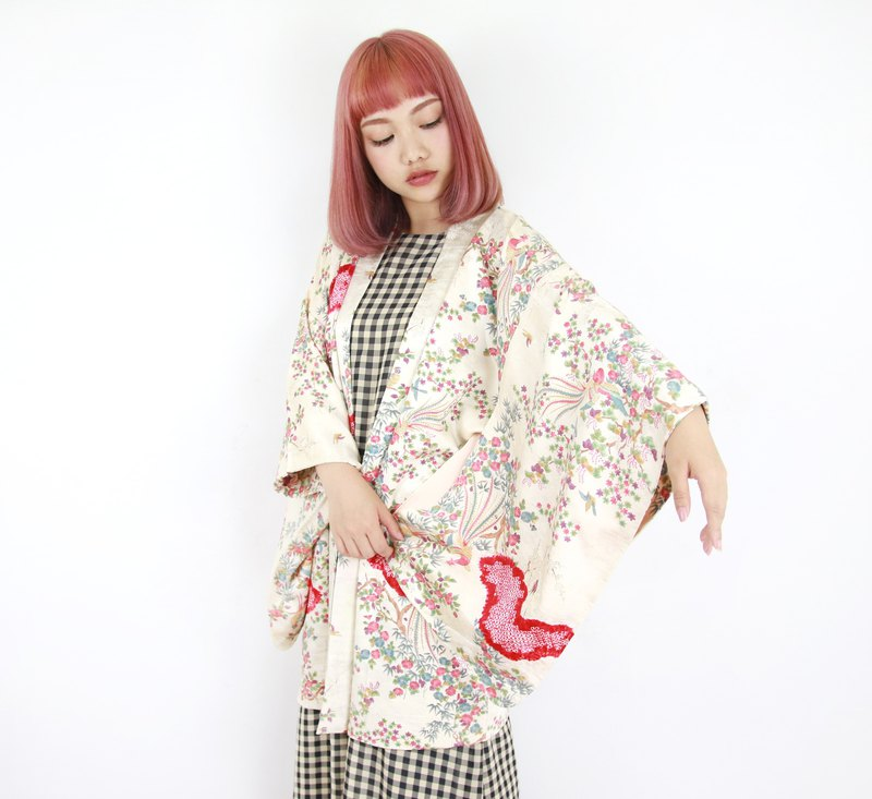 Back to Green-Japan brings back hand-painted colorful world/vintage kimono