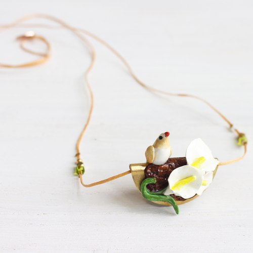 Calla Lily Bird Necklace I No. 85 Story_Romance Flowers