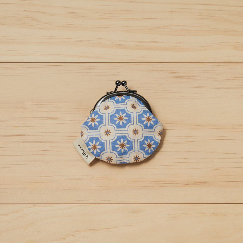 Coin Clasp Frame Bag/Old Ceramic Tile No.2/Hydrangea