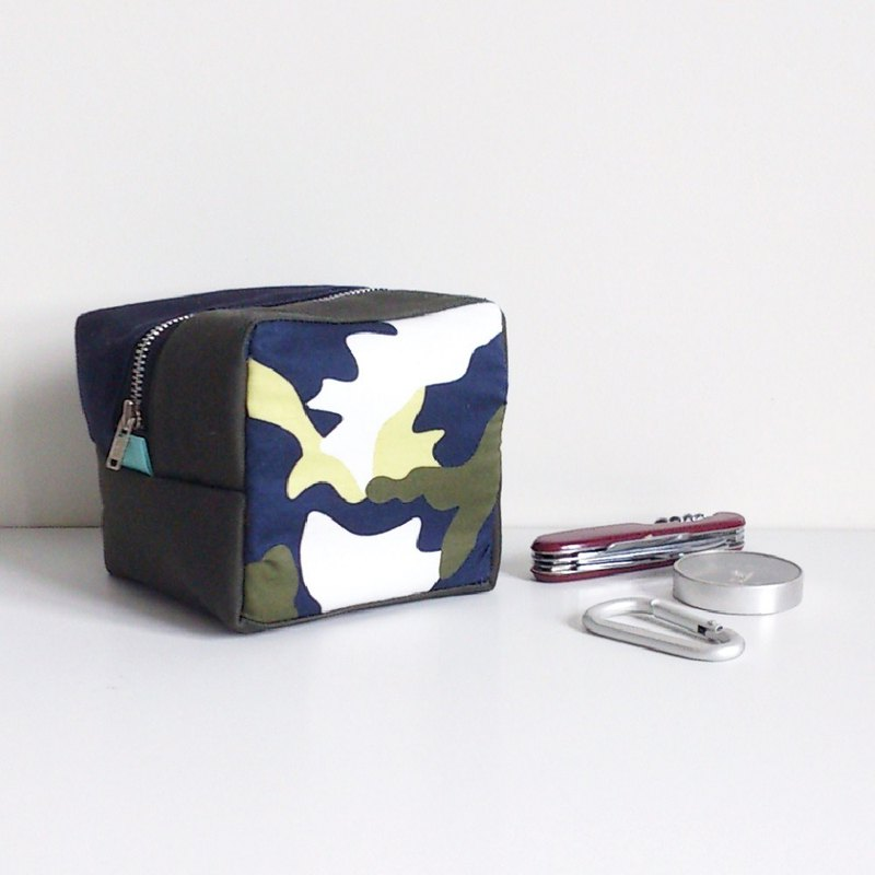 *Spring Summer SALE*  Cube Pouch (Camouflage x Dark Blue & Military Green)