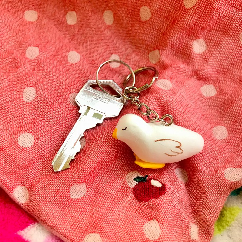 Little pigeon fell asleep / hand made key ring
