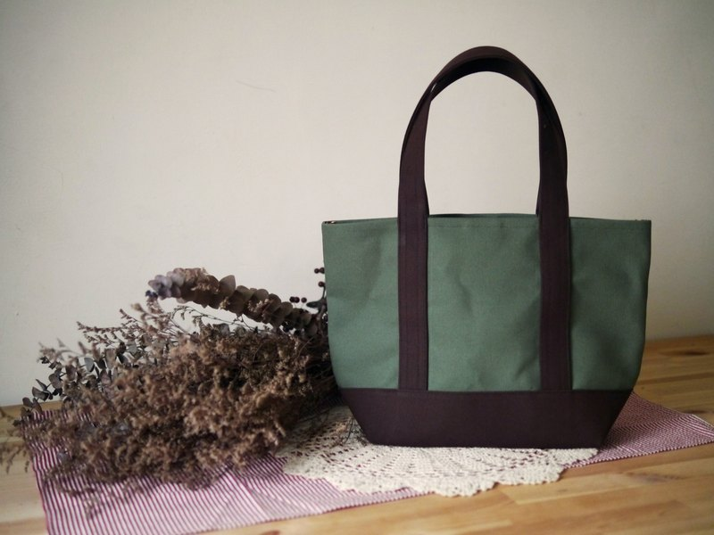 Classic Tote Msize olive x coffee - olive green x Coffee -