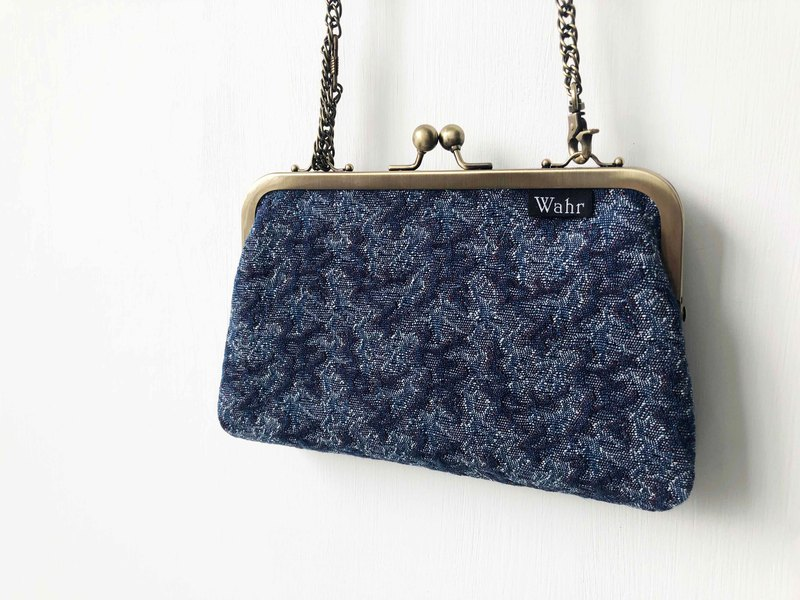 Navy clasp frame bag/with chain/ cosmetic bag / shoulder bag