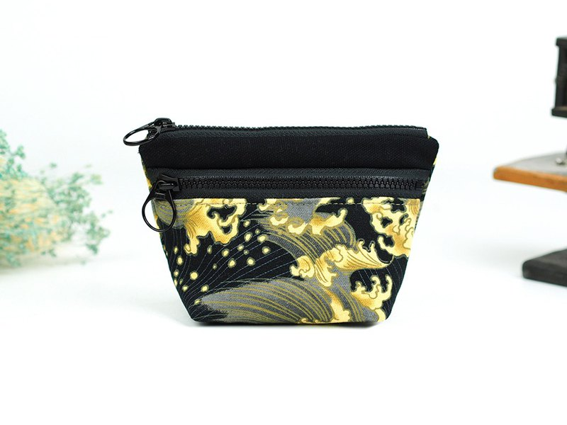 Small cattle purse small storage package Japan ukiyo-e painting [Japanese style gold mad wave school] BC-03