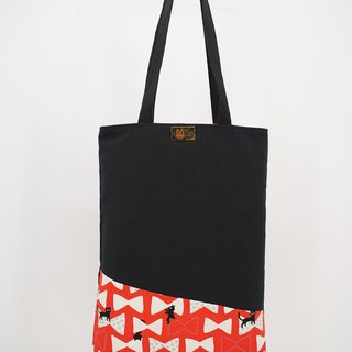 Tote Bag in Black Cats on Red