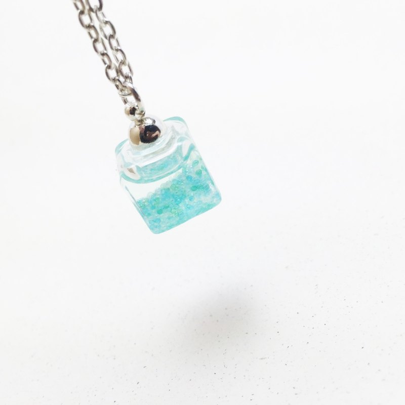 △ flow glass box Necklace - 19 degrees north latitude, the island - square, selling limited edition necklace