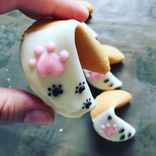【Animal lucky signature cake: cat palm lucky biscuits】 step by step