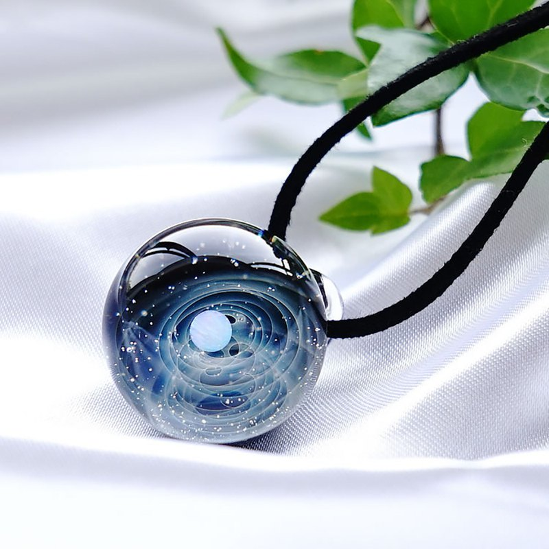 The world of space with geometric patterns. Glass pendant with white opal Universe star 玻璃 Japanese production Japan handicraft production handmade free shipping