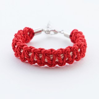 Red / Peach macrame bracelet