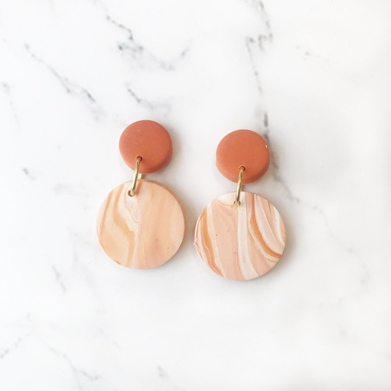 SIMWIS Co Handmade// Sunset Round Dangle Polymer Clay Earring