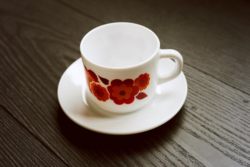 Arcopal France ー Lotus series antique milk glass cup set - red x orange / French