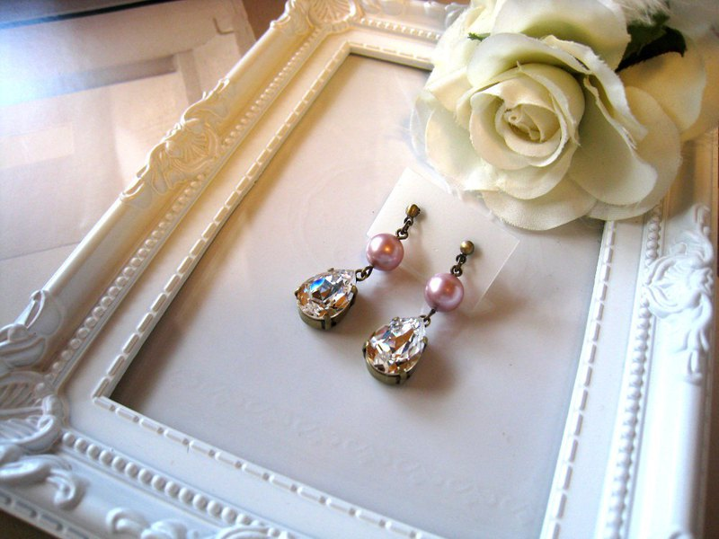 Silky Pearl & Swarovski Crystal Drop Pierced Earrings / PD : Pink
